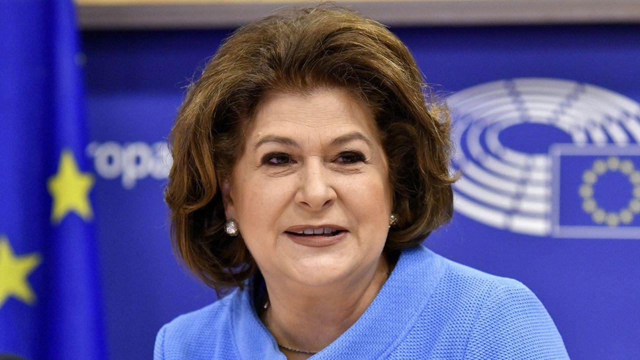 Rovana Plumb, la candidate roumaine, est soupçonnée de conflit d'intérêt en raison de deux prêts d'une valeur cumulée de presque un million d'euros.