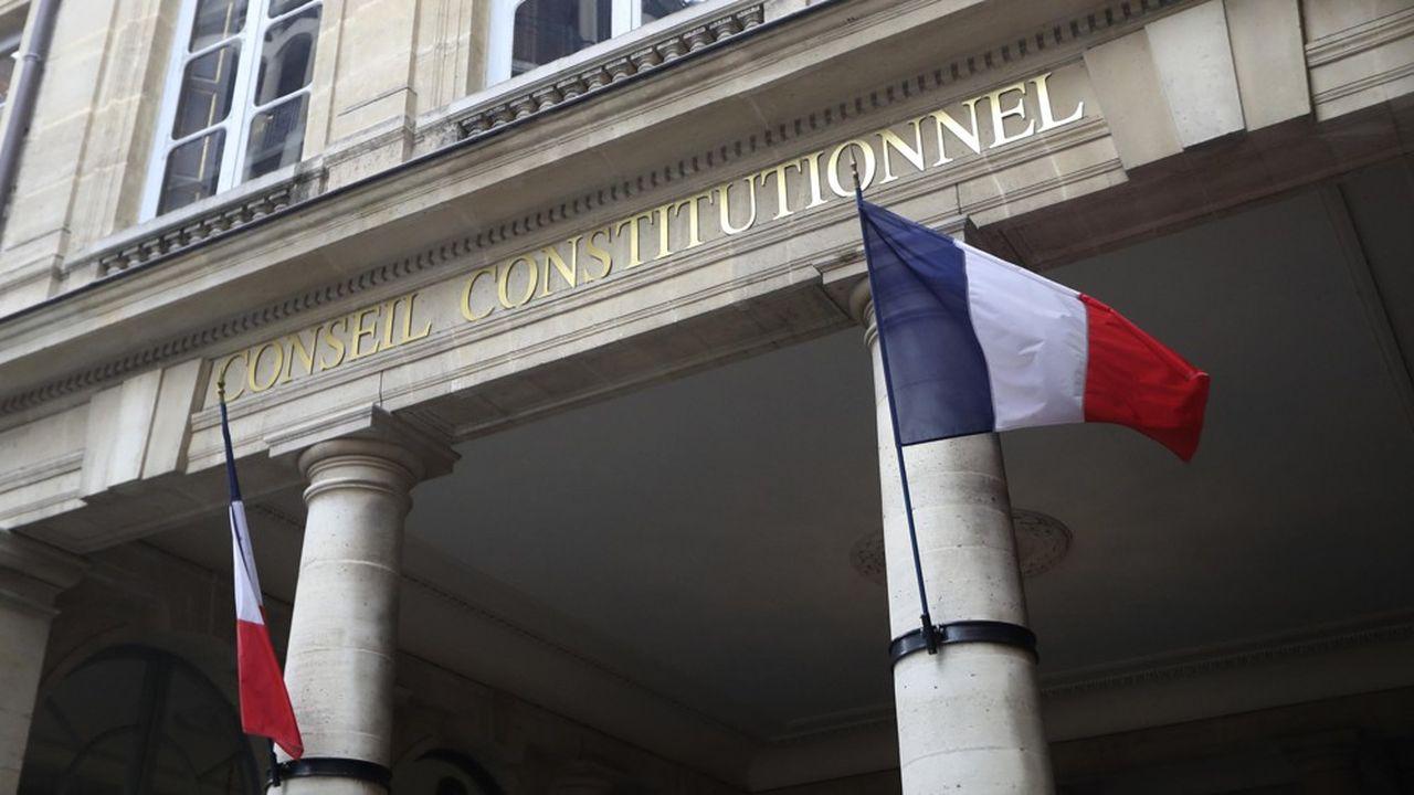 Le Conseil constitutionnel considère que les critères de transmission automatique des dossiers de fraude fiscale au Parquet ne créent pas de rupture d'égalité devant l'impôt.