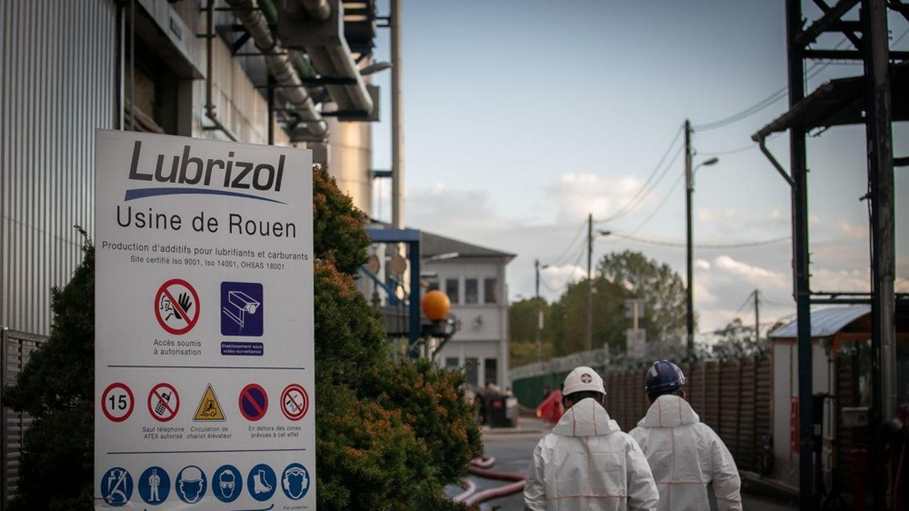 Les conséquences sanitaires de l'incendie de l'usine Lubrizol provoquent l'inquiétude des habitants de Rouen et de la Normandie.