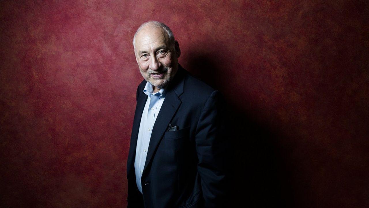 Joseph Stiglitz, économiste, prix Nobel d'Economie, présente son nouveau livre «La Grande Fracture», éditions Les Liens qui Libèrent