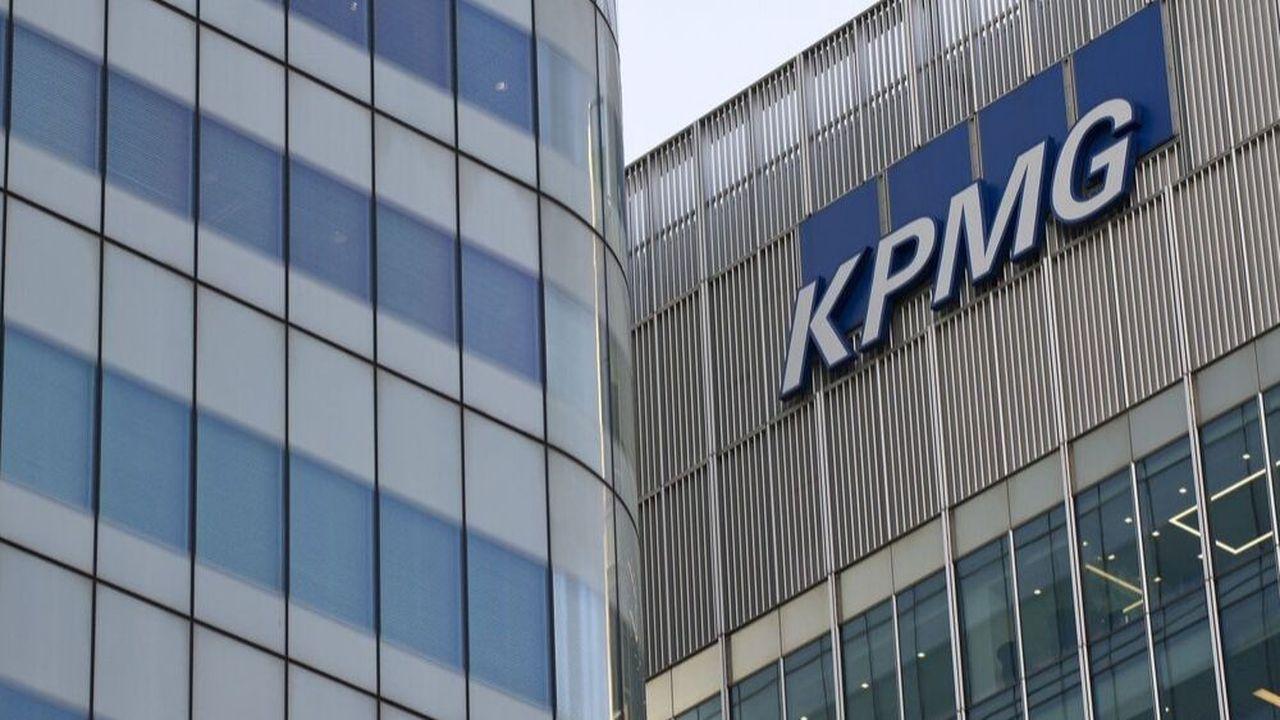 L'encadrement intermédiaire et les salariés de KPMG UK en charge de l'administratif vont devoir restituer leur téléphone portable maison
