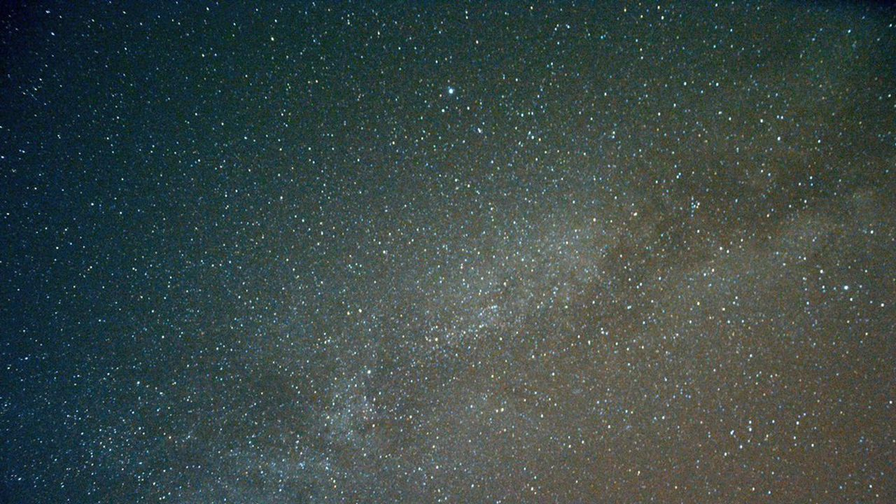 La date du 26 septembre n'a pas été choisie au hasard : la visibilité de la Voie lactée était optimale au coucher du soleil.
