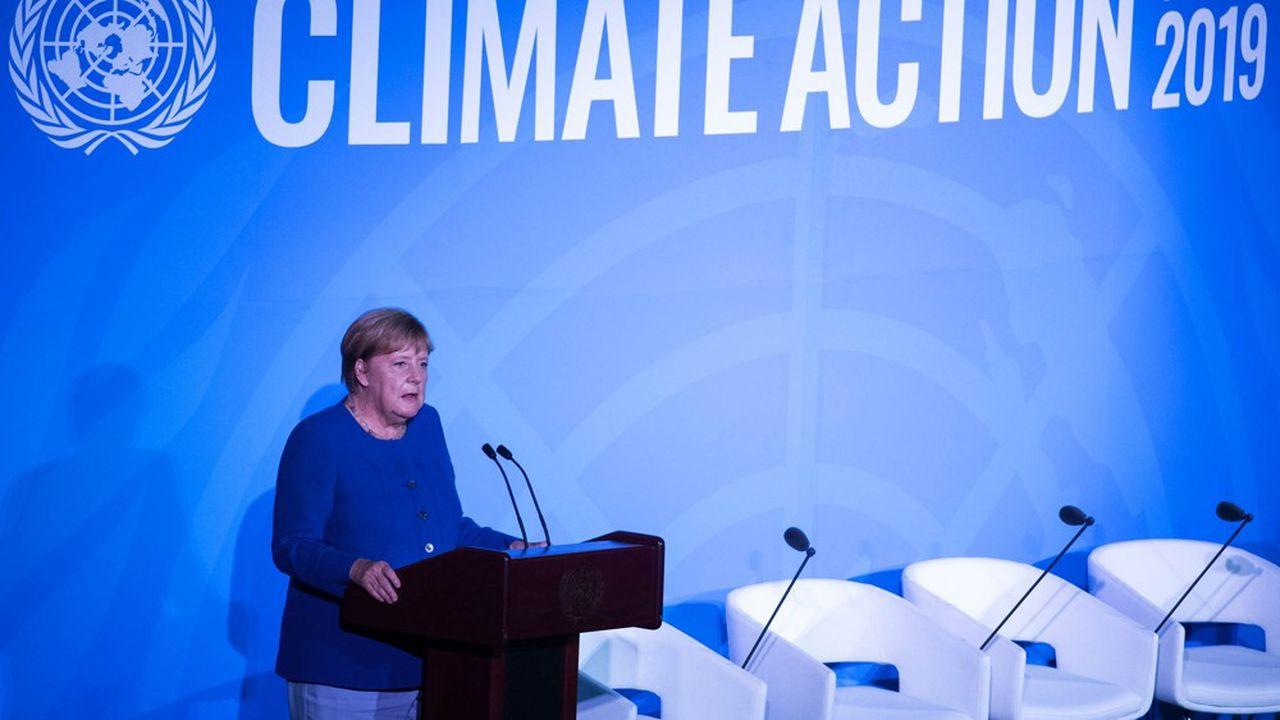 Dix jours après la présentation du plan pour le climat de la coalition allemande dirigée par Angela Merkel, le scepticisme sur son efficacité ne fait que progresser en Allemagne, dopant les Verts comme jamais.