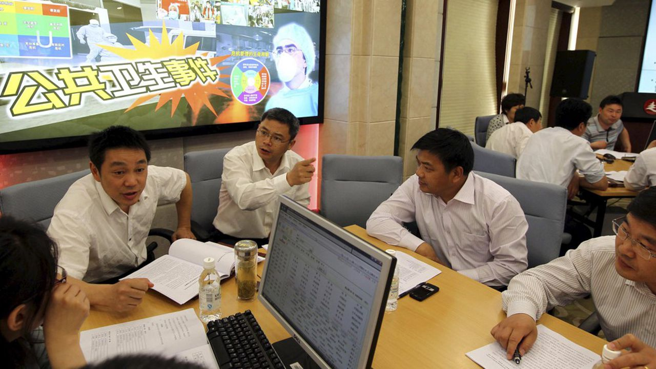 Des étudiants discutant d'un cas d'affaires publiques à la «China Executive Leadership Academy Pudong» à Shanghaï.