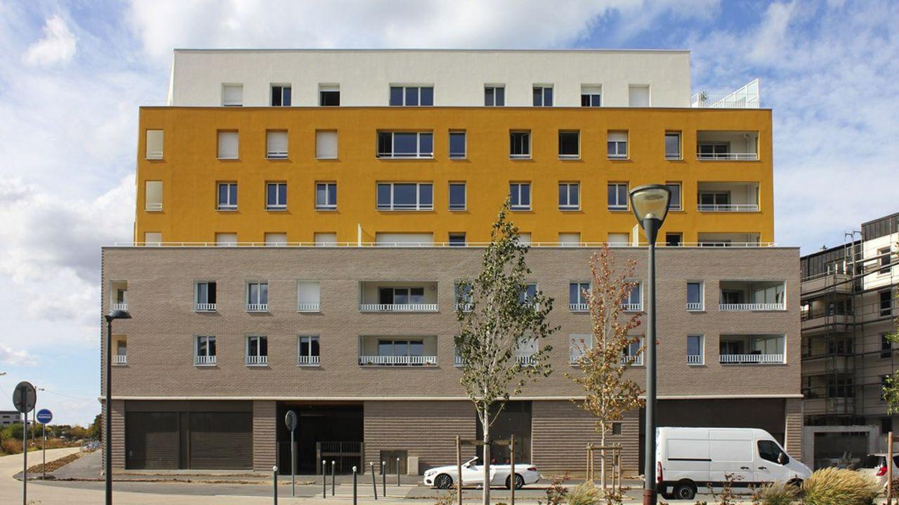 L'immeuble à bas carbone et énergie positive au centre de Grigny (Essonne).