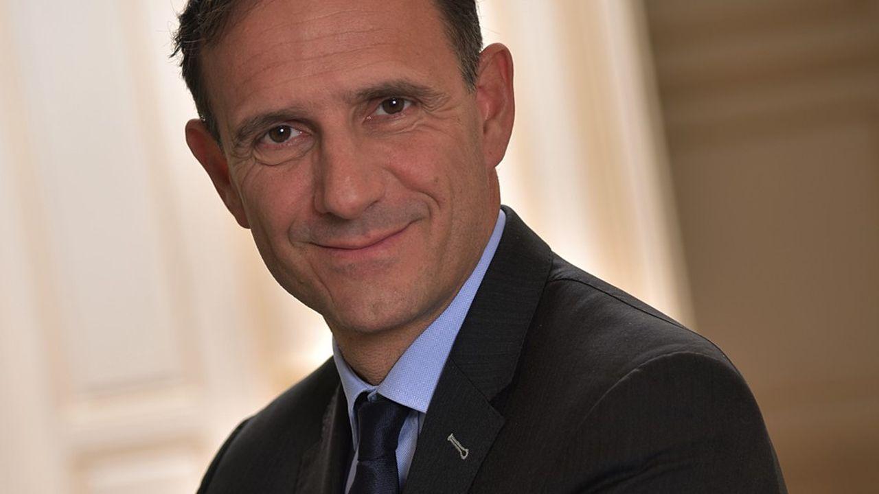 Olivier Sichel est directeur général adjoint de la Caisse des Dépôts et Consignations. Il dirige la Banque des territoires.