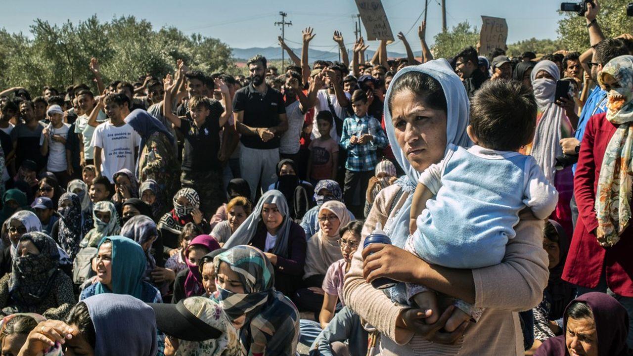 Les femmes réfugiées sur l'île de Lesbos en Grèce, ont fait un sit-in mardi au surlendemain d'un incendie qui a coûté la vie à l'une d'entre elles. Elles ont protesté contre les conditions de vie dans le camp de Moria.