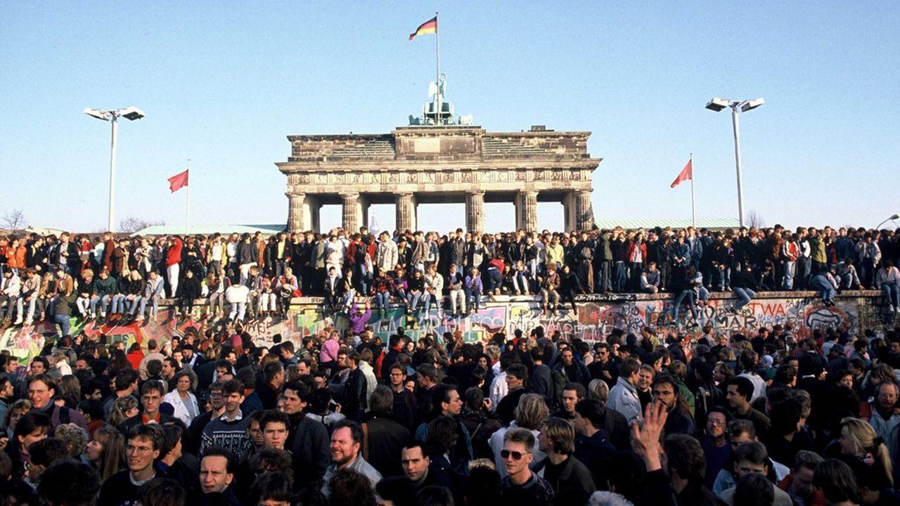 Démolition du mur de Berlin, le 10novembre 1989.