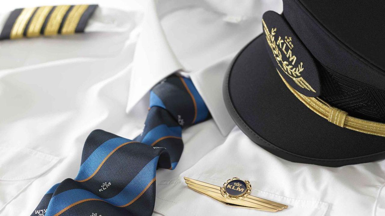 Les pilotes et le personnel de cabine se voient octroyer une augmentation de salaire de 7% ces deux prochaines années, sans que soit revue leur participation aux bénéfices.