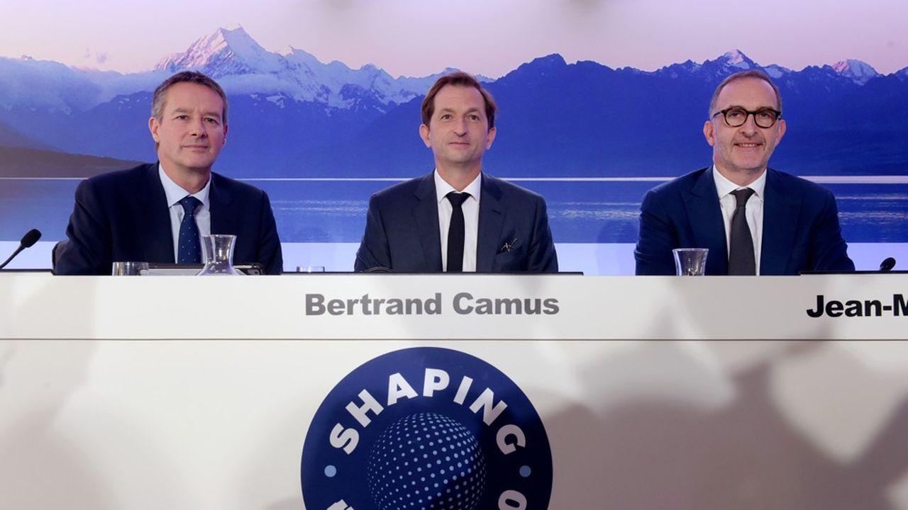 Le nouveau directeur général de Suez, Bertrand Camus (au centre), a présenté ce mercredi le nouveau plan stratégique du groupe, entouré du directeur financier, Julian Waldron (à gauche), et du directeur opérationnel, Jean-Marc Boursier.