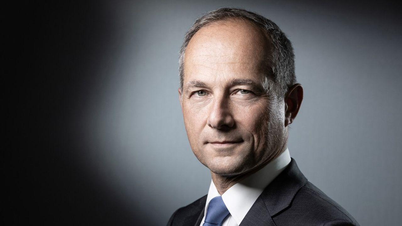 Frédéric Oudéa, directeur général de Société Générale et président de la Fédération bancaire française, estime qu'il «faut rester vigilant face au ralentissement prévisible».