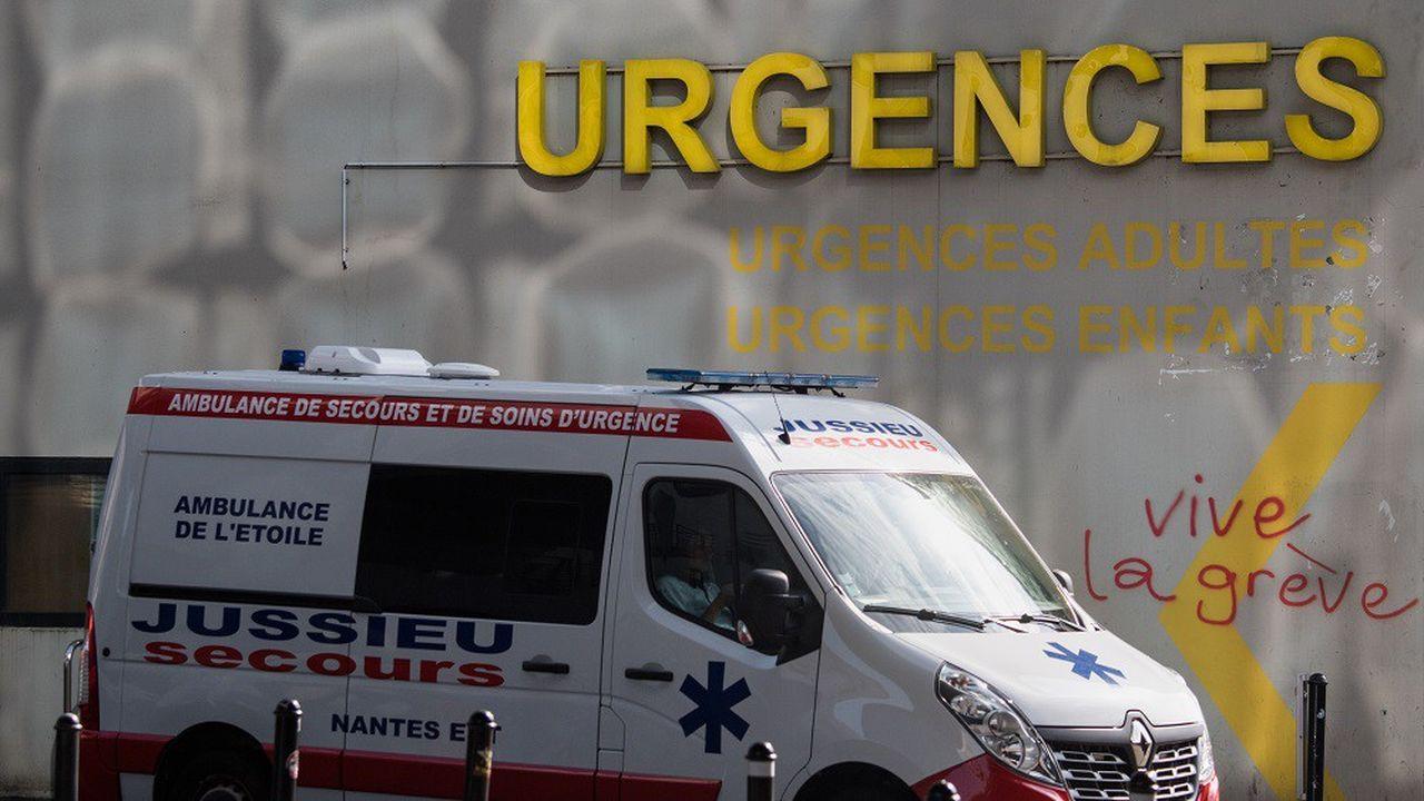 Depuis plus de six mois, des centaines de services d'urgences se sont mis en grève à travers toute la France.