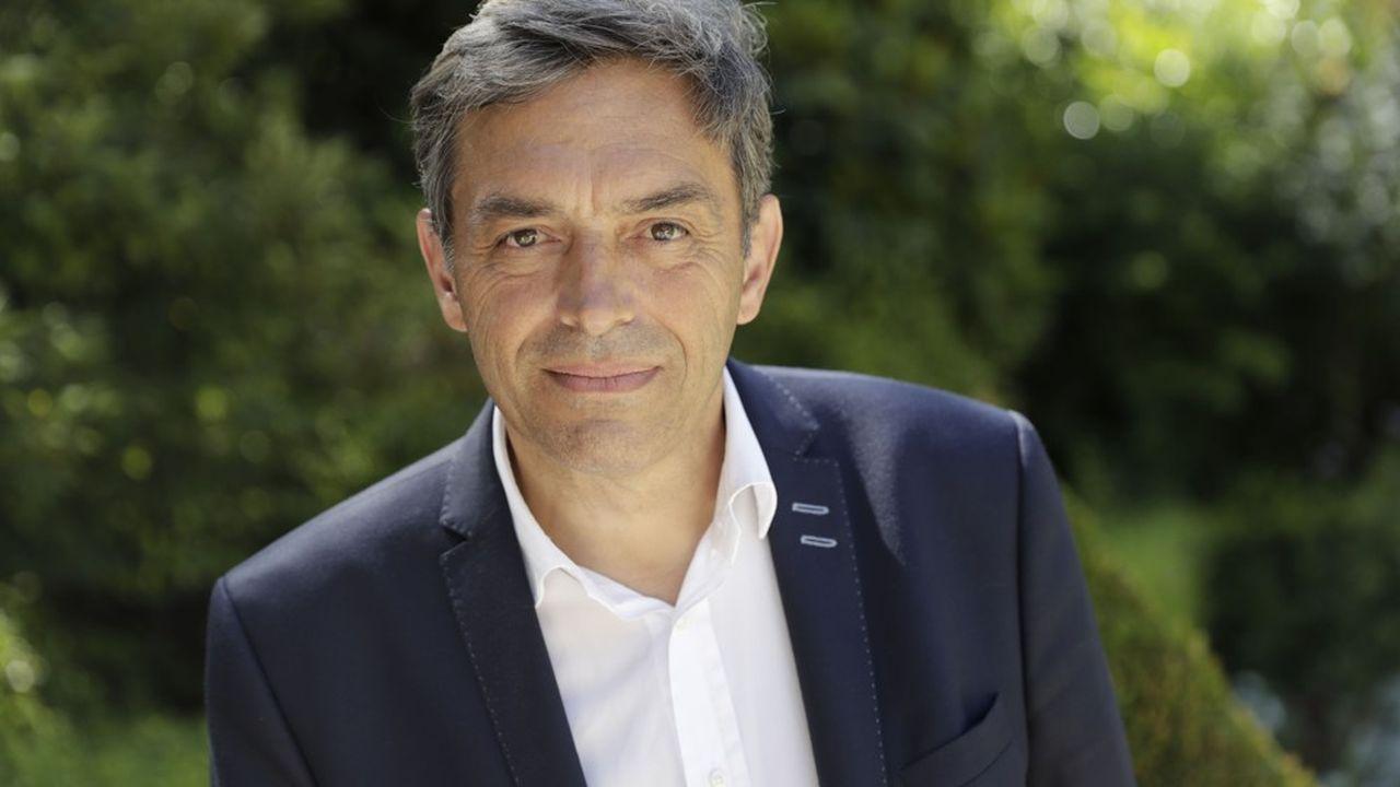 Daniel Labaronne, député La Republique En Marche (LREM), propose d'ouvrir un dialogue avec les banques sur les tarifs.