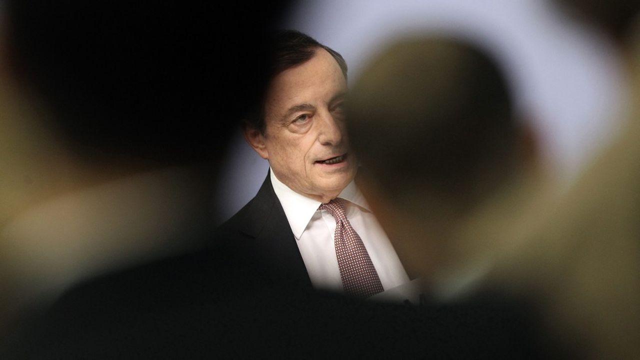 A moins d'un mois de son départ de la présidence de la BCE, Mario Draghi doit faire face à une contestation de plus en plus virulente.