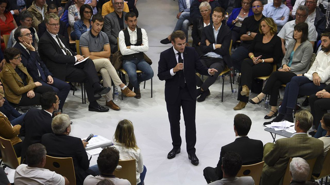A Rodez dans l'Aveyron, Emmanuel Macron a tenu son premier grand débat sur la réforme des retraites en échangeant avec 600 habitants d'Occitanie