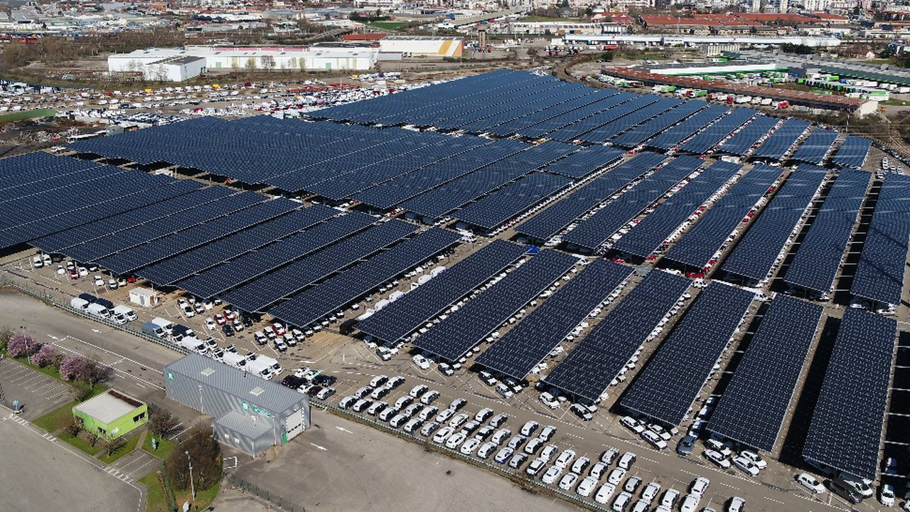 ENEDIS_TC_LESECHOS_Près de Lyon, le plus grand parc d'ombrières photovoltaïques de France_DR.jpg