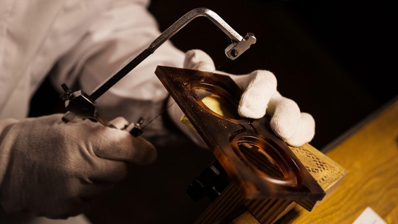 Cinq ans après la décision de François-Henri Pinault d'internaliser la création des montures de ses griffes, Kering est devenu un acteur majeur du marché.