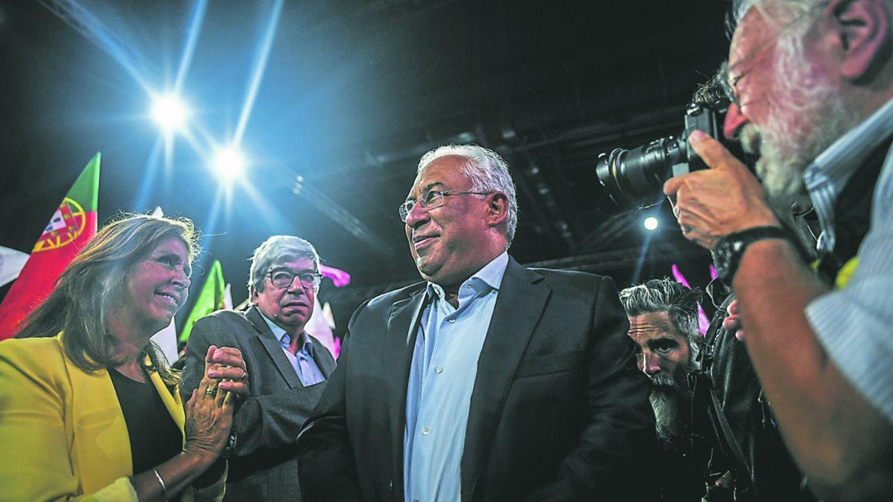 Le socialiste Antonio Costa, Premier ministre sortant est candidat à un deuxième mandat. Il revendique le bilan de son gouvernement qui a remis le pays sur les rails de la croissance.
