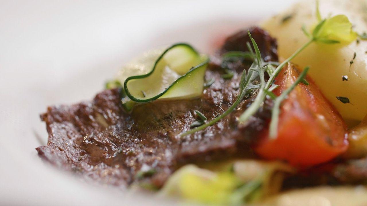 Il a fallu trois semaines pour transformer quelques cellules de boeuf placées dans une boîte de pétri en steak.