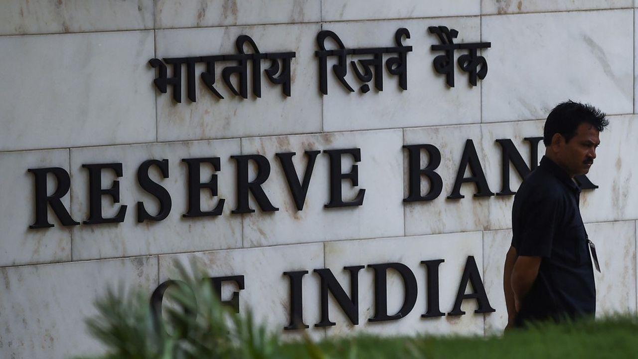 Malgré une des croissances économiques les plus élevées de la planète, la banque centrale indienne a baissé ses taux d'intérêts pour la cinquième fois cetet année fain de relancer la consommation et l'investissement.