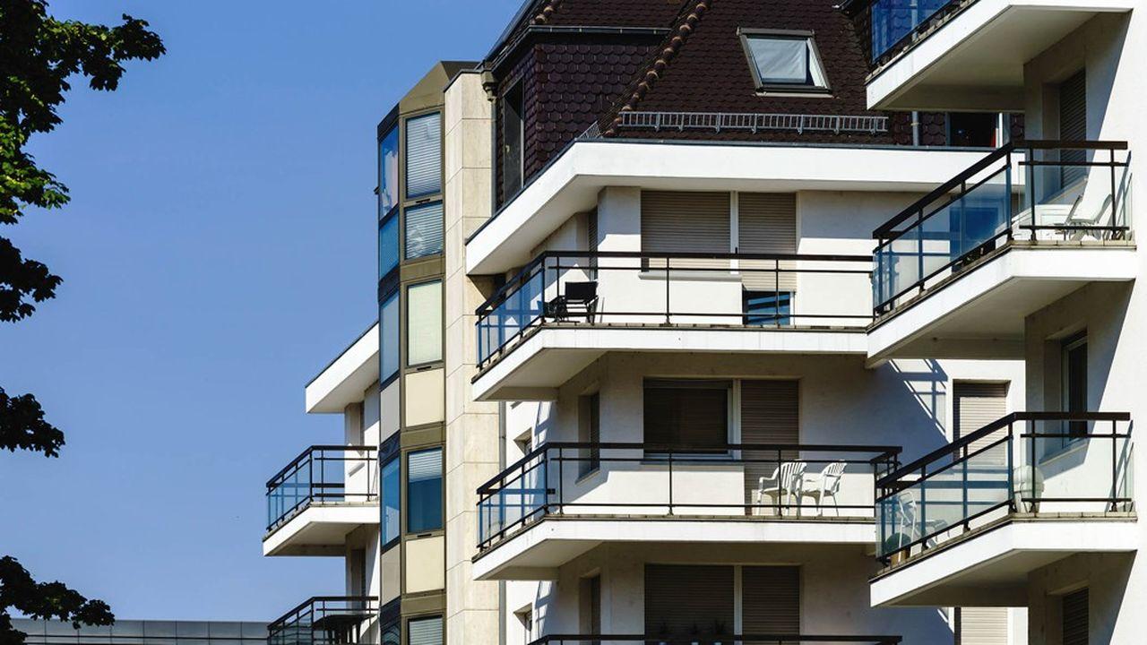 Les résultats du baromètre Qualitel supposent que la qualité du logement augmente à mesure que ta taille de la ville se rétrécit.