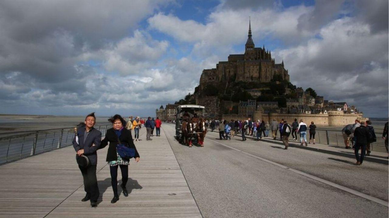 En France (ici au Mont Saint Michel en Normandie) comme souvent ailleurs dans le monde, les touristes chinois sont ceux qui dépensent le plus.