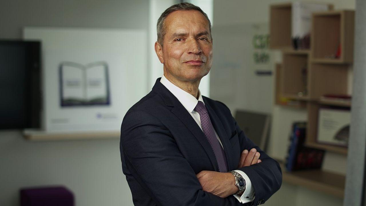 Après avoir été six ans directeur général de Grant Thornton en France, Robert Dambo a été élu PDG par les associés.