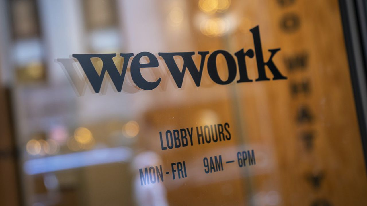 WeWork enchaîne les mauvaises nouvelles depuis son introduction en Bourse avortée.