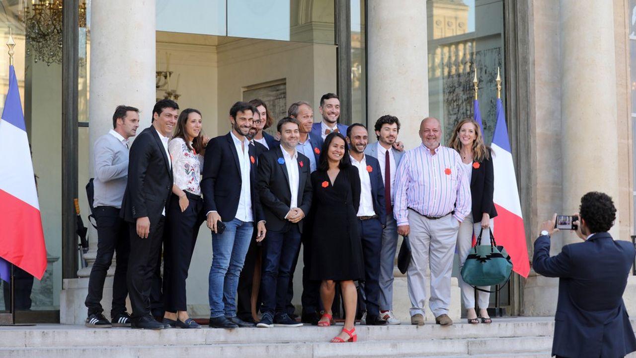 Des entrepreneurs de la French Tech, sur le perron de l'Elysée, juste avant les annonces d'Emmanuel Macron du 17septembre sur le financement des start-up.