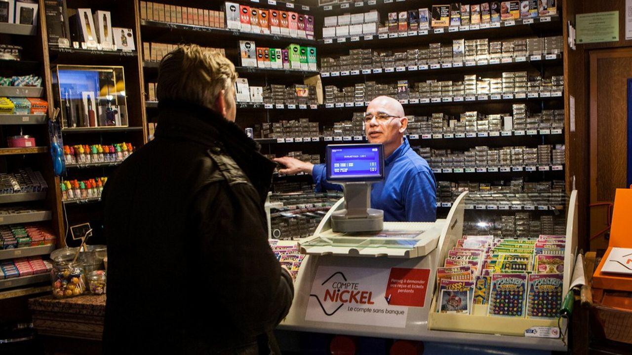 Des hausses massives du prix du tabac ont été décidées par le gouvernement depuis 2017. La prochaine est attendue en novembre, avec l'objectif d'un paquet coûtant plus de 10euros fin 2020.