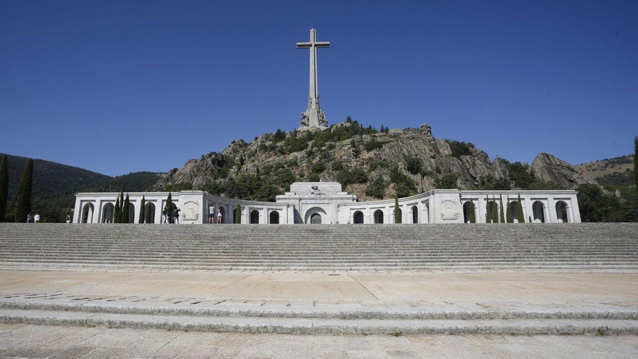L'exhumation de Franco est un sujet qui divise profondément les Espagnols.