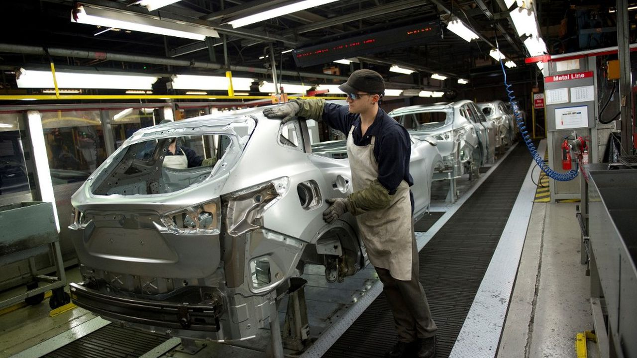 L'usine Nissan de Sunderland (Angleterre) emploie près de 7.000 personnes et produit plus de 400.000 véhicules par an. Les deux tiers de la production sont des crossovers Qashqai
