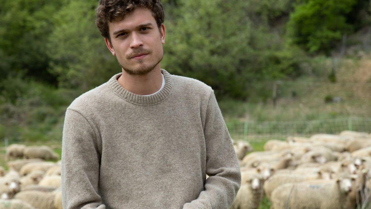Pour Le Slip Français, le lancement en novembre d'un pull à base de laine tricolore s'inscrit dans sa recherche de matières hexagonales.