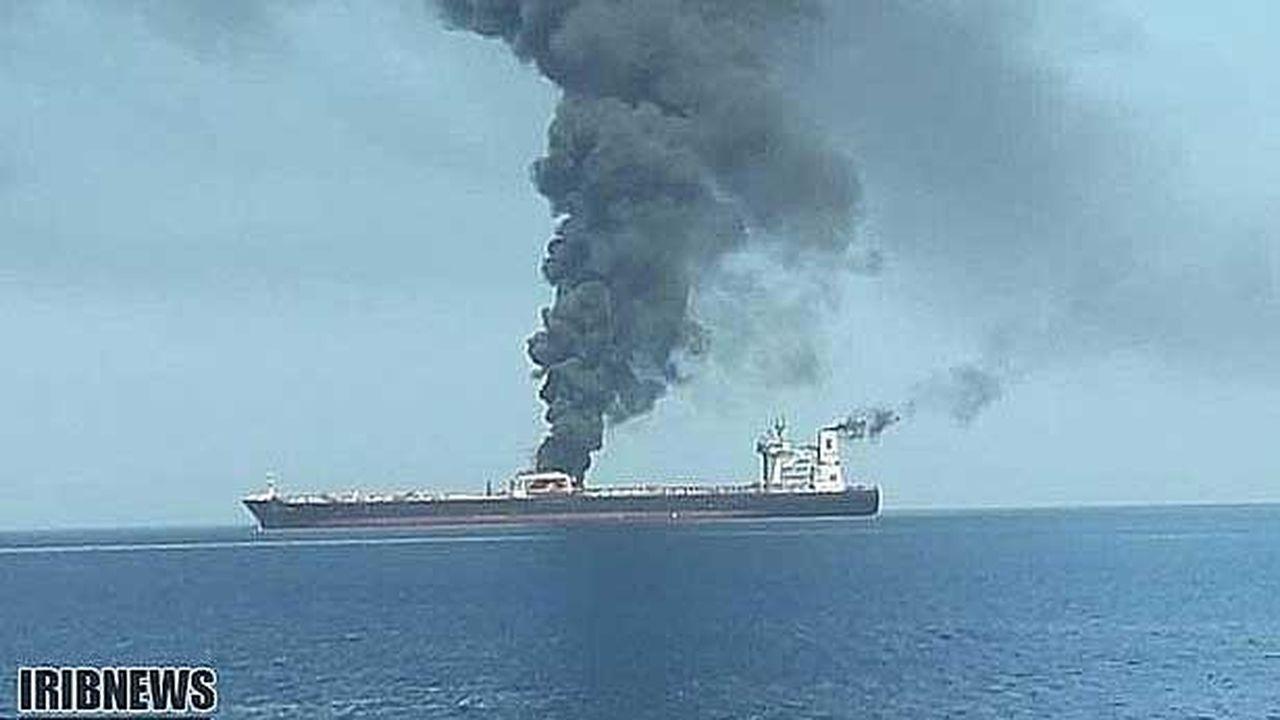 Deux explosions touchent un tanker iranien naviguant en mer Rouge