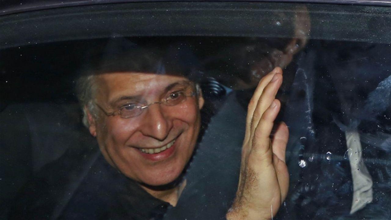 L'homme d'affaires Nabil Karoui s'est dissocié de Nidaa Tounes pour fonder son propre parti. Il est soupçonné de fraude fiscale et de blanchiment, ce qui lui a valu de passer par la case prison.