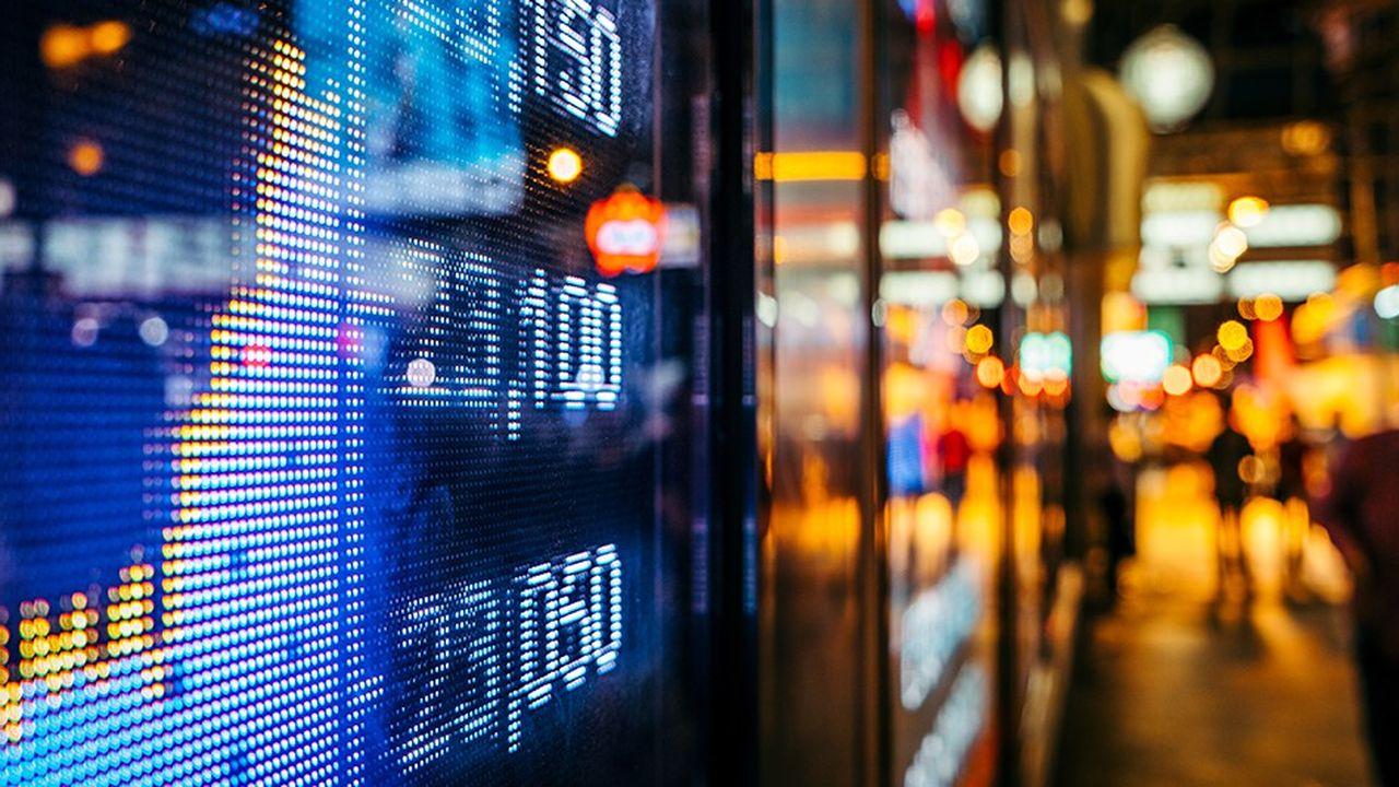 Si options et futures sont accessibles aux particuliers, ils nécessitent l'ouverture de comptes spécifiques et sont à réserver à des investisseurs avertis.