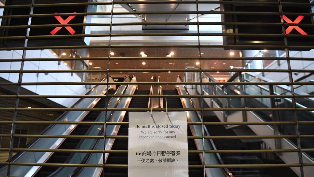 Le 1eroctobre dernier, lecentre commercial IFC Mall a fermé ses portes au moment où des manifestants pro-démocratie s'insurgeaient contre les célébrations du 70è anniversaire de la République populaire de Chine.