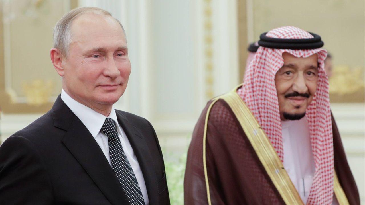 Le président russe, Vladimir Poutine reçu lundi par le roi Salmanedans son palais, à Ryad.