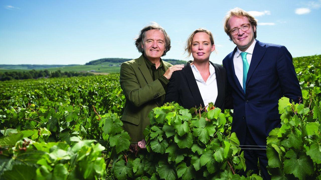 A soixante-six ans, Pierre-Emmanuel Tattinger cède la présidence de la marque à sa fille Vitalie, âgée de quarante ans.