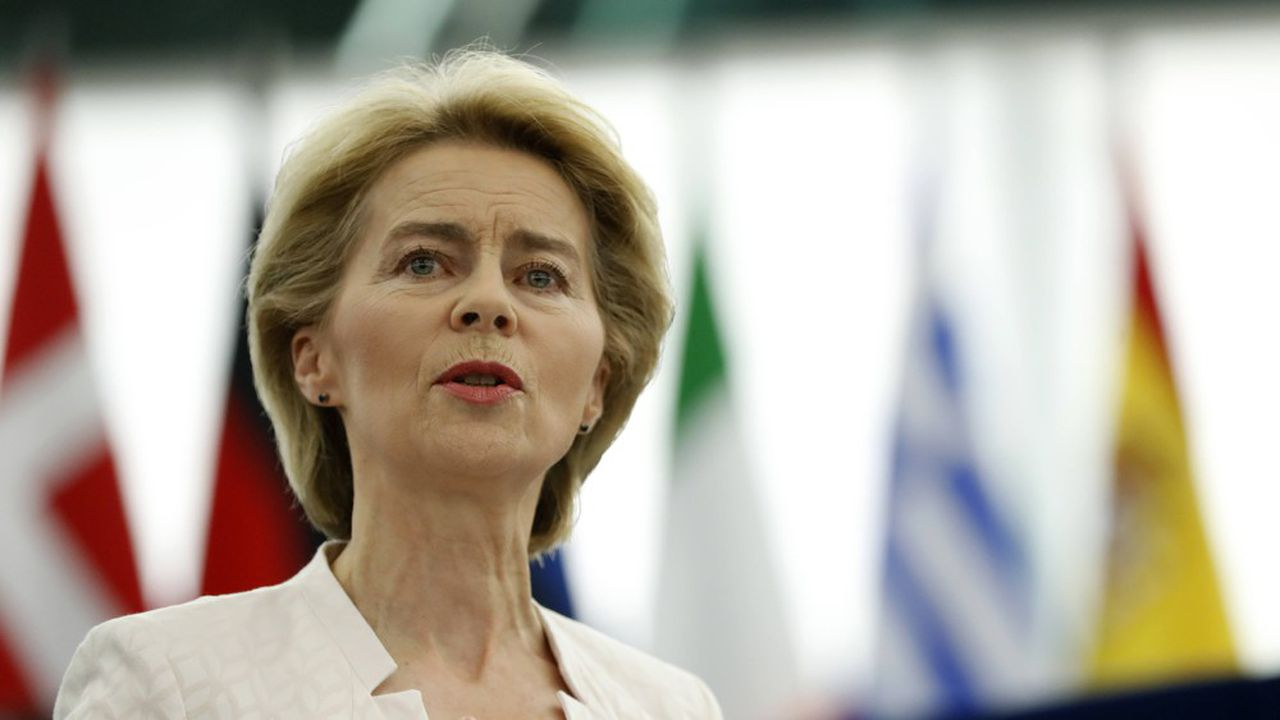 Ursula von der Leyen, nouvelle présidente de la Commission européenne, délivre un discours, le 16 juillet, devant le Parlement européen à Strasbourg.