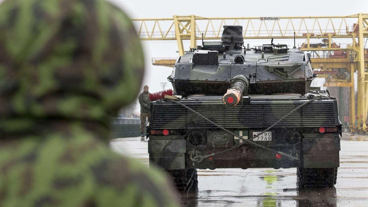 Le char de combat allemand Leopard2 de la Bundeswehr développé parKMW s'exporte très bien quand le char français Leclerc peine à trouver des clients hors de l'armée française