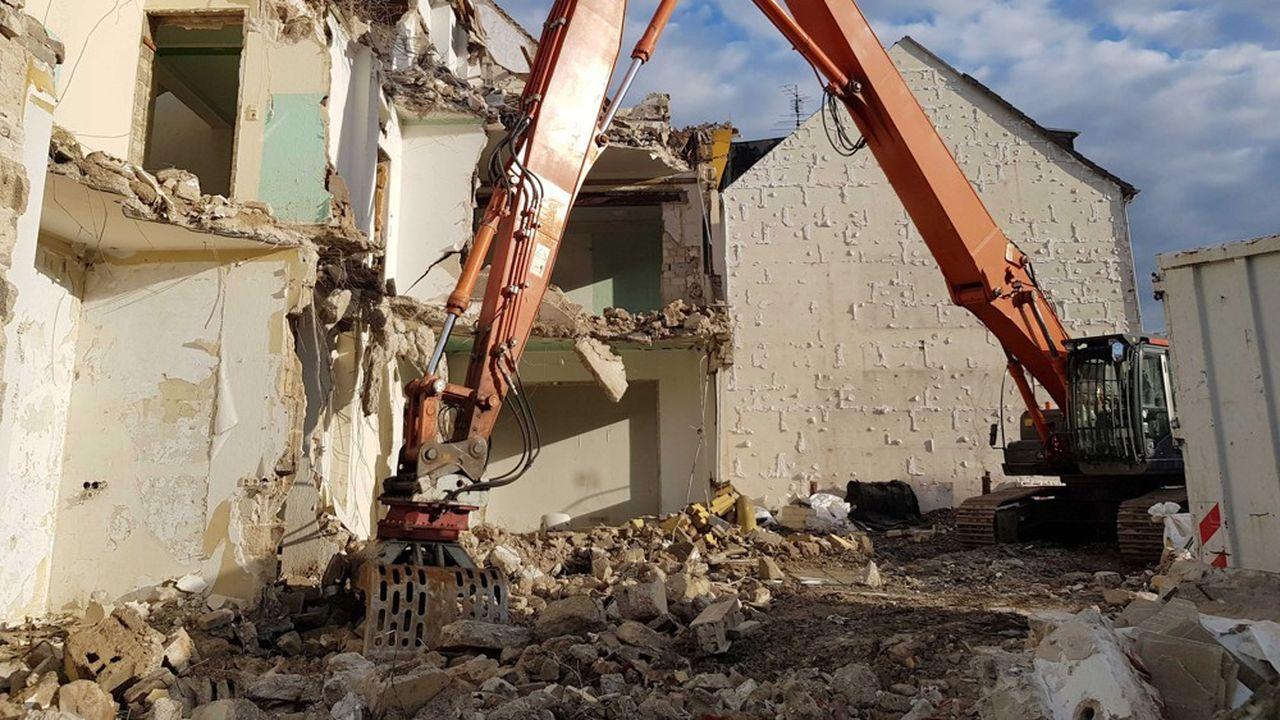 Les bâtiments détruits étaient situés sur une zone agricole de Fontenay les Briis.