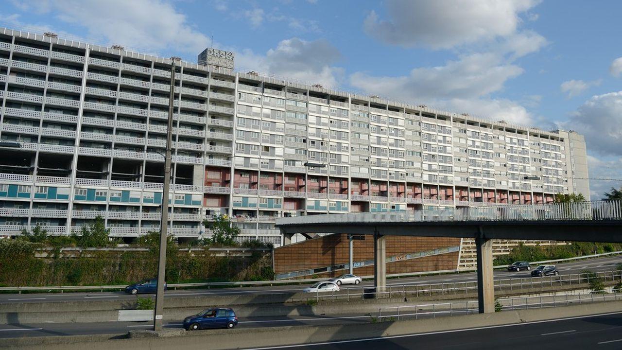Lyon : démolition de la première « barre » de France