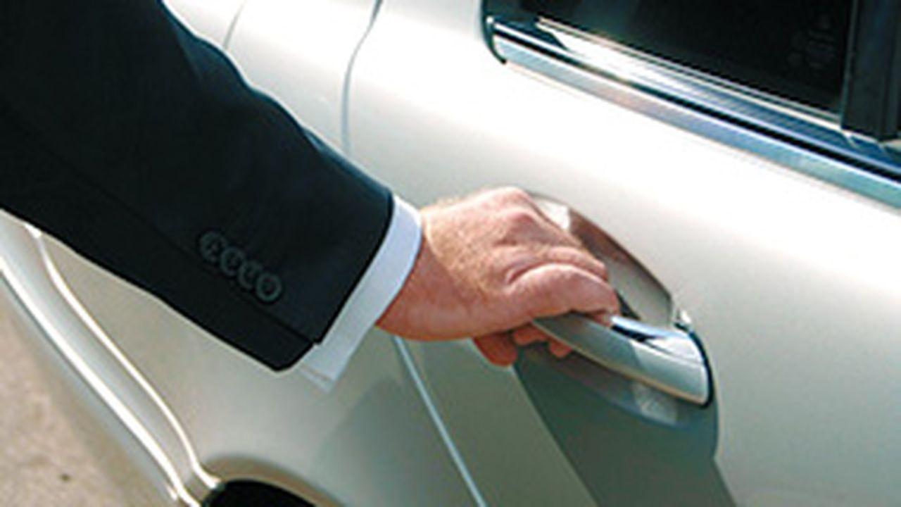 35078_113371_1306747297_chauffeur-e.jpg