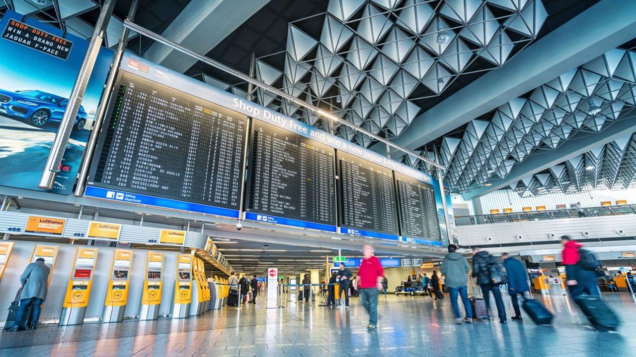 Le conseil des ministres allemand a voté une hausse de 74% des taxes sur les billets d'avion pour les vols domestiques et à l'intérieur de l'Europe, et de 41% pour les plus long-courriers.
