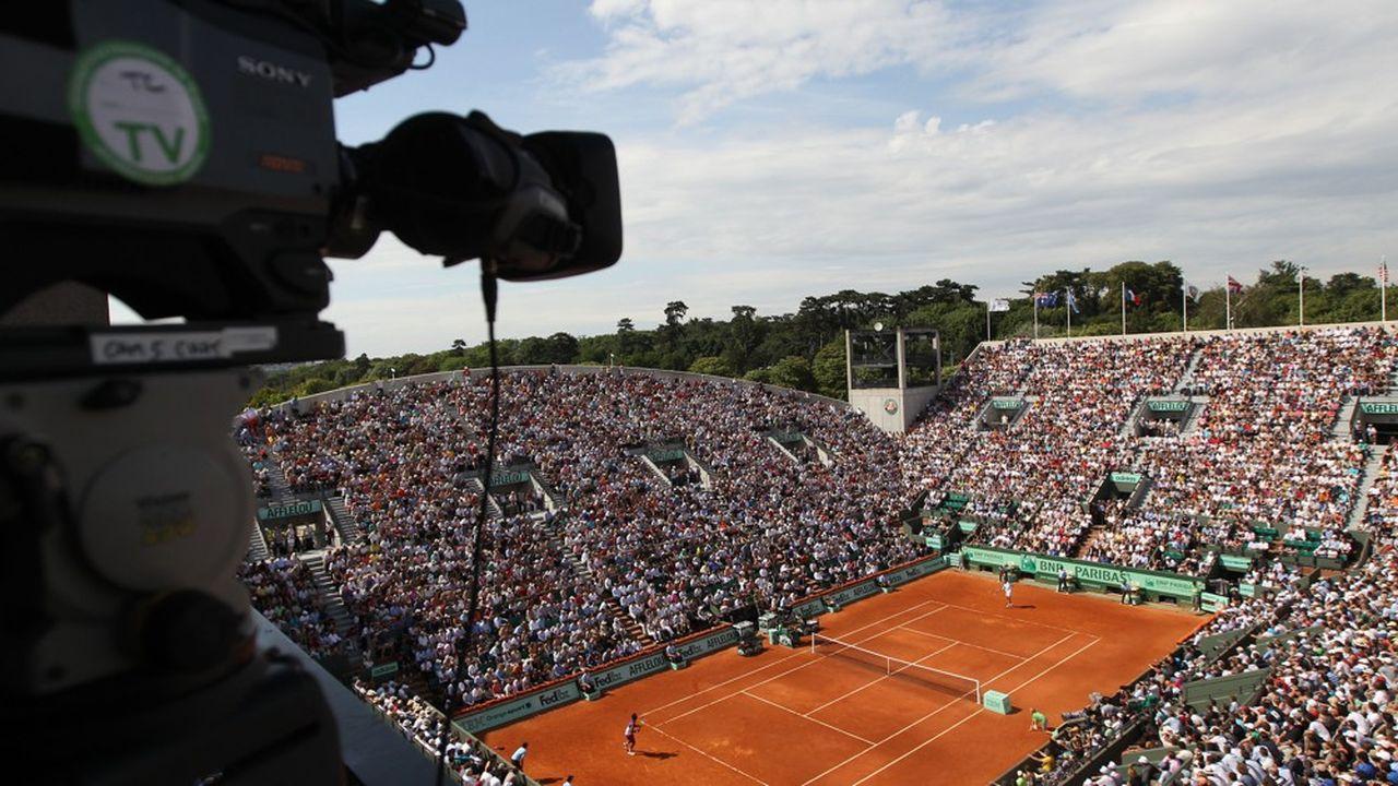 Le Conseil d'Etat s'alarme de la pérennité de la diffusion de certains grands événements par France Télévisions, alors que ses moyens sont revus à la baisse et que les droits TV augmentent. Le récent appel d'offres relatif au tournoi de Roland-Garros est un signal d'alarme.