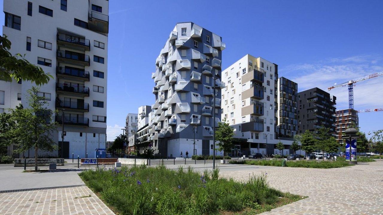Saint-Ouen, ici l'écoquartier des Docks, développer une forte attractivité qui fait figure d'exception dans la banlieue nord de Paris.