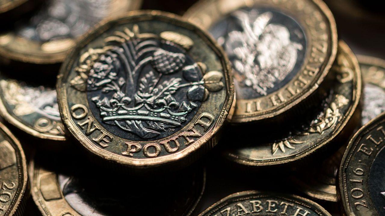 La livre sterling connaît un regain de volatilité alimenté par les incertitudes politiques