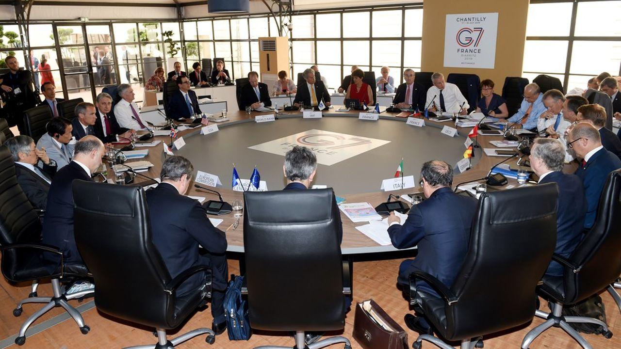 Pour les grands pays du G7, les devises crypto stables d'ambition mondiale, comme le Libra, devront être surveillées comme le lait sur le feu