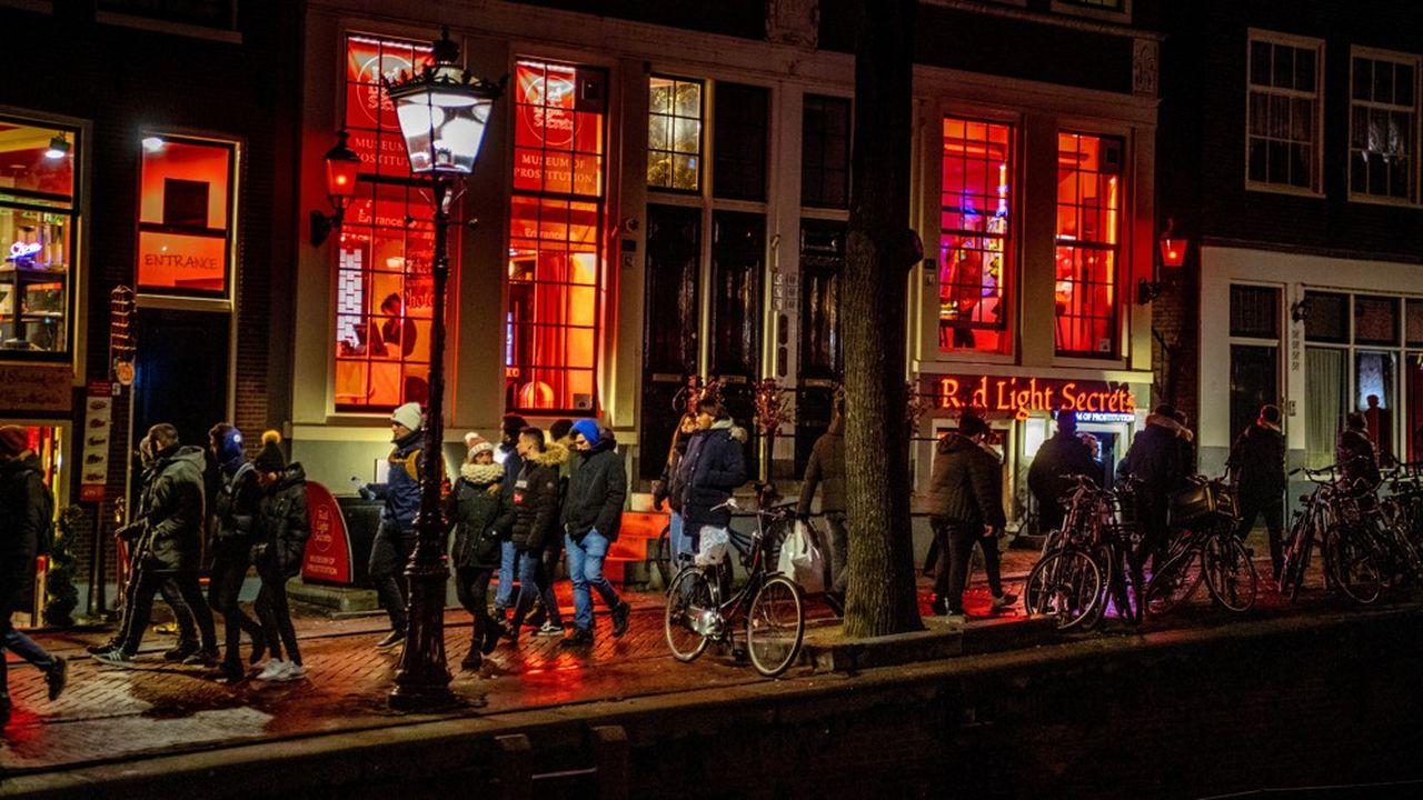 Le célèbre «quartier rouge» d'Amsterdam pourrait disparaître du fait de la criminalité rampante liée à l'exploitation de prostituées.